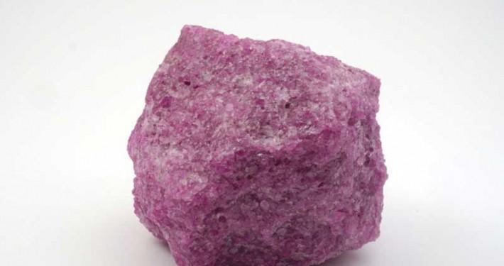 Grain raw material aluminium oxide pink